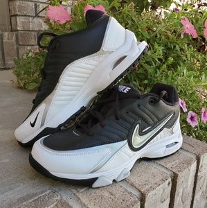 NWOT Nike Air Tri- v15 women's sneaker shoes